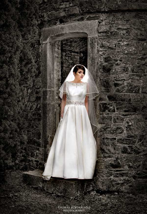 Thomas Sunderland Photography Bride at Castle