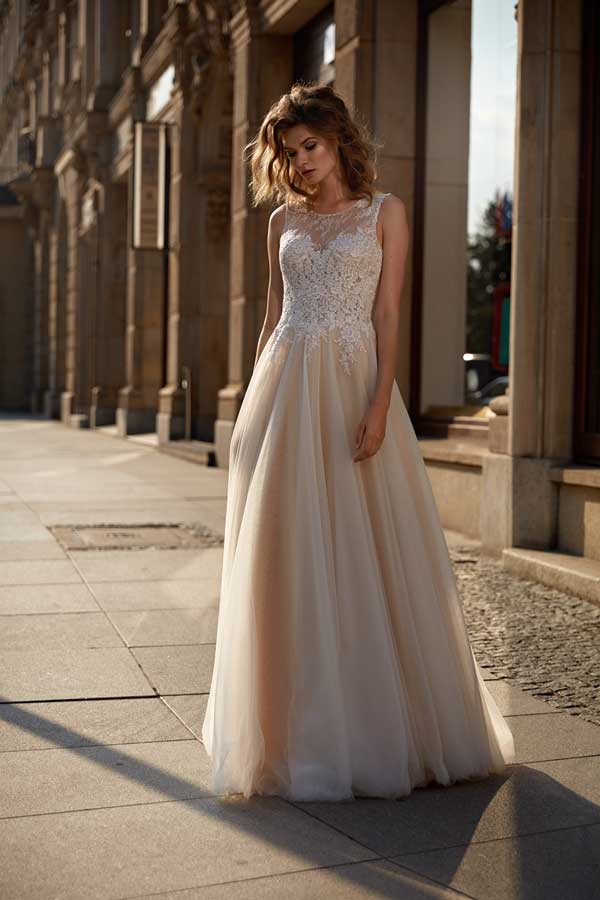 Annais Wedding Dress Isandria