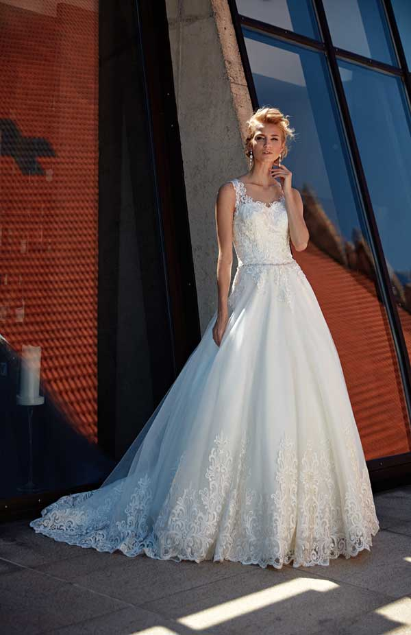 Annais Wedding Dress Izzie