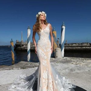 Asheley & Justin Wedding Dress 2018 Style No 10558