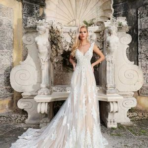 Ashley & Justin Wedding Dress 2018 Style No 10562