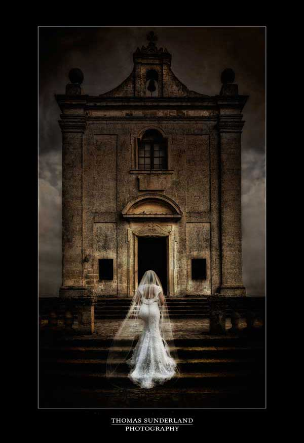 Thomas Sunderland Photography Bride at Doorway