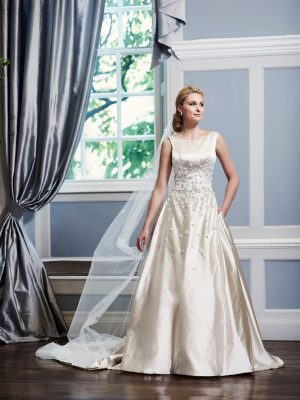 Ian-Stuart-Wedding-Dress-Web-Angelica