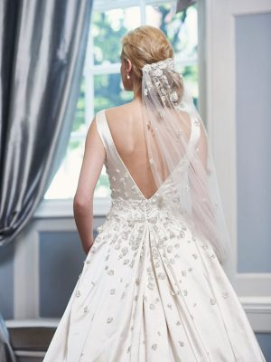 Ian-Stuart-Wedding-Dress-Web-Angelica_back
