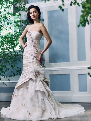 Ian-Stuart-Wedding-Dress-Web-Hawaii