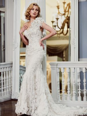 Ian-Stuart-Wedding-Dress-Web-La-Guardia-1